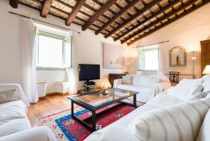 Large Barcelona Villa rent Sitting room