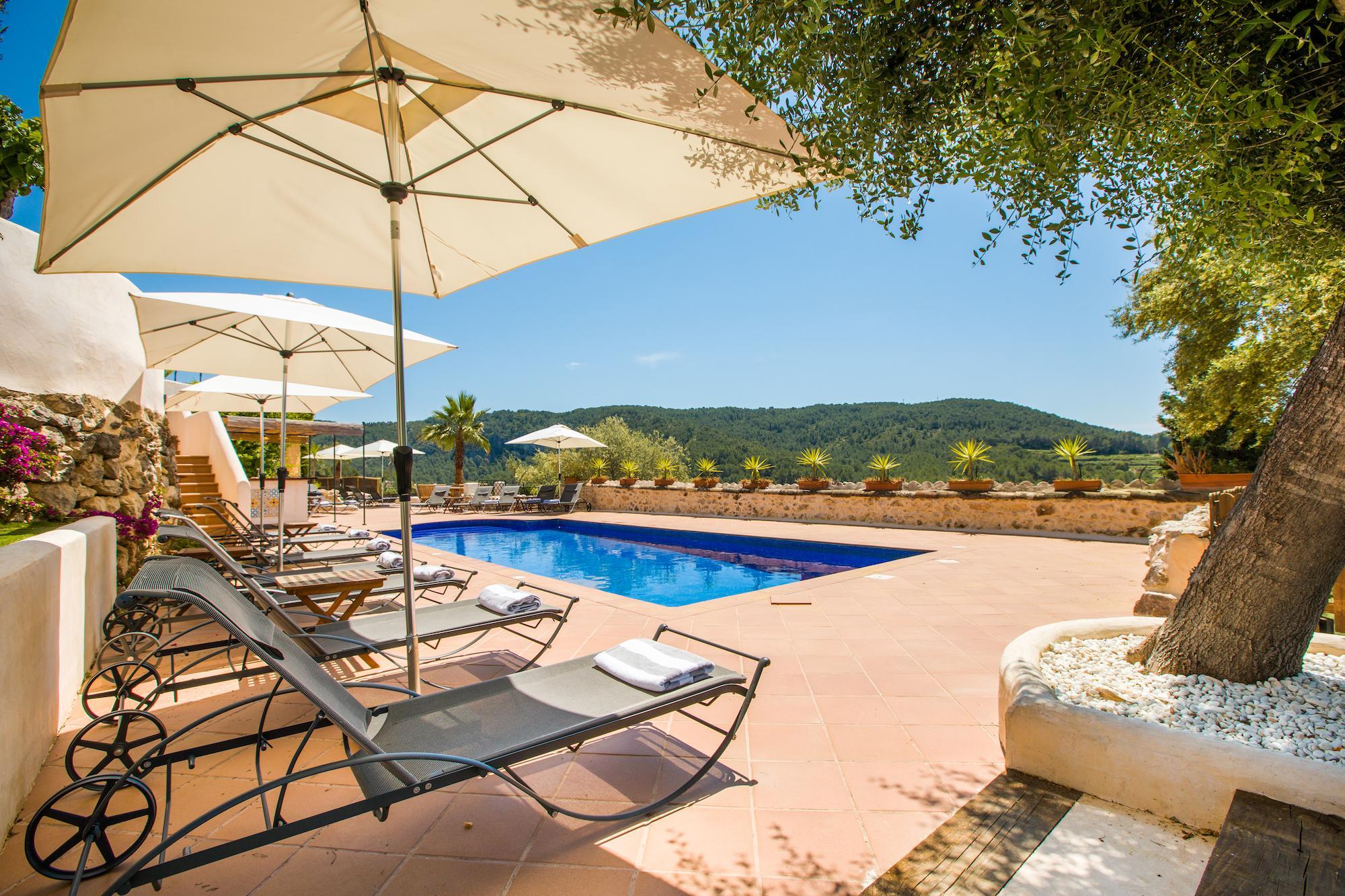 Large Barcelona Villa swimming pool