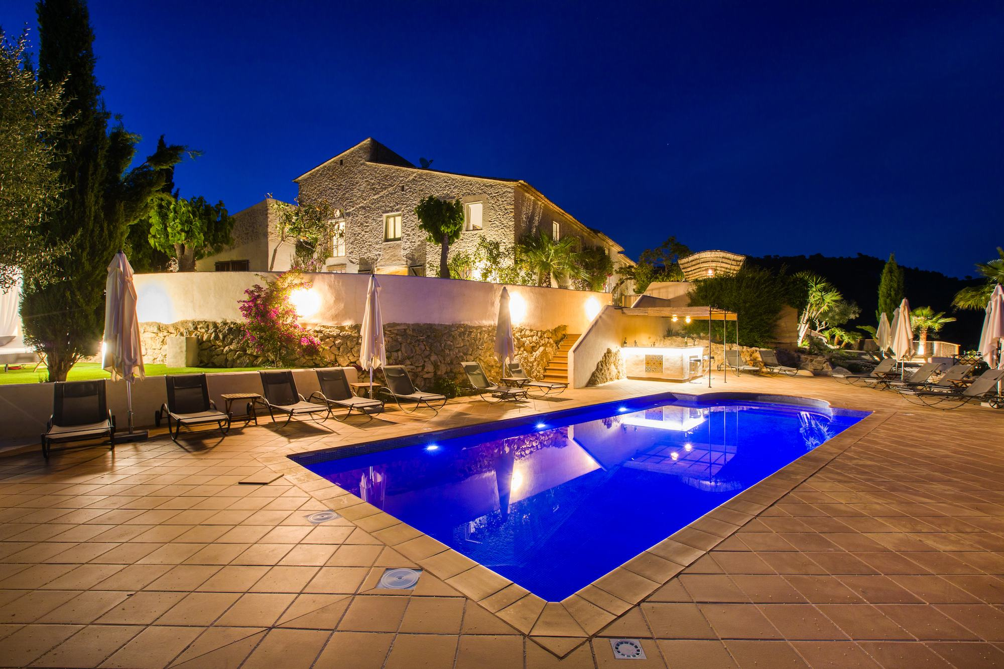 Large Barcelona Villa rent at night